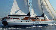 Crewed yacht charter in Turkey