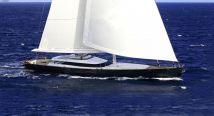 Yacht med mannskap